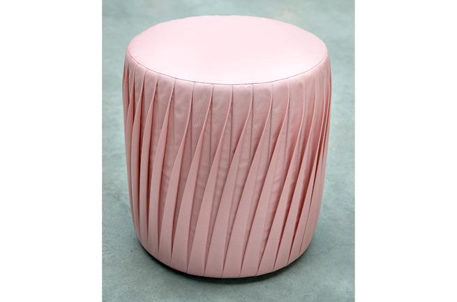 Marie Louise Hellgren stool
